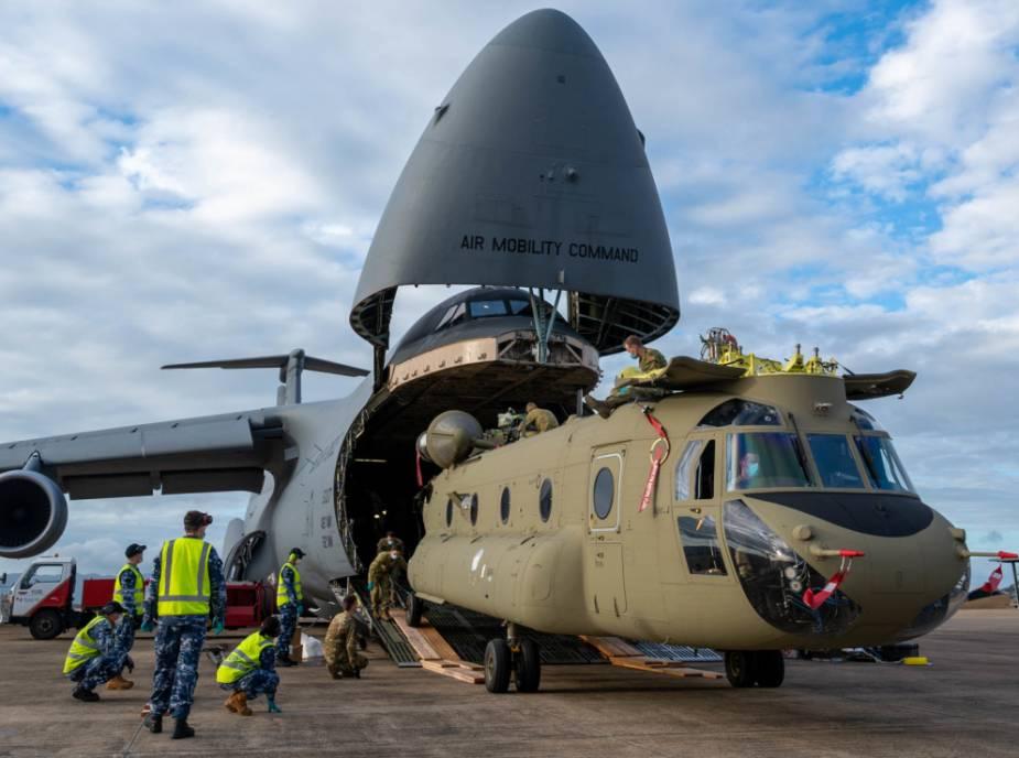 """Avstraliya CH-47F """"Chinook"""" helikopterləri alıb"""
