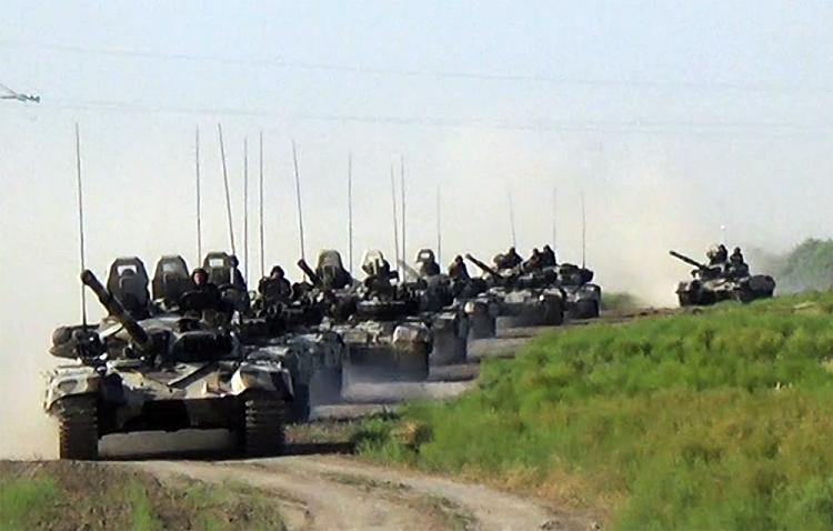 Azərbaycan Ordusunun tank bölmələri praktiki atışlar icra edir – VİDEO